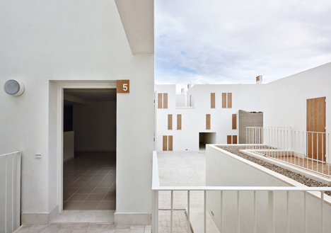Social housing in Sa Pobla by RipollTizon