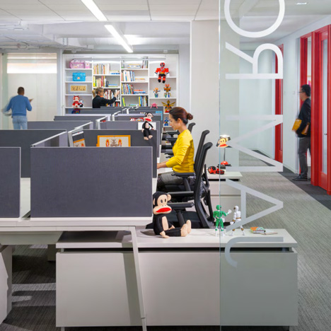 "Bad workplace design means most employees are ""struggling to work effectively"""