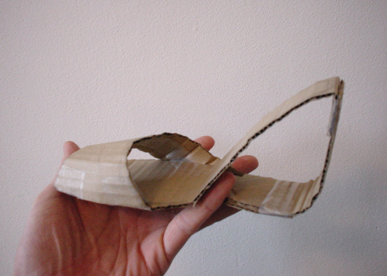 First cardboard model of Möbius shoe