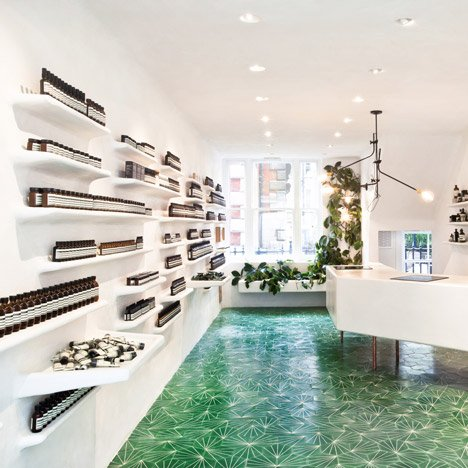 dezeen_Aesop Covent Garden by Cigue_1sq