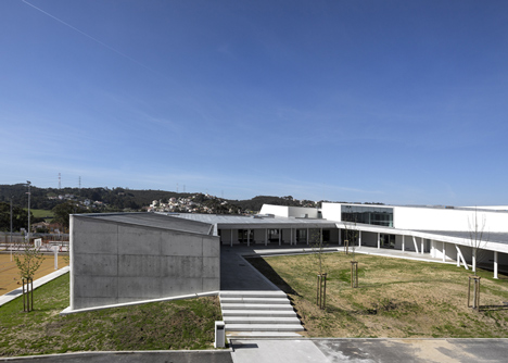 Caneças High School by ARX Portugal