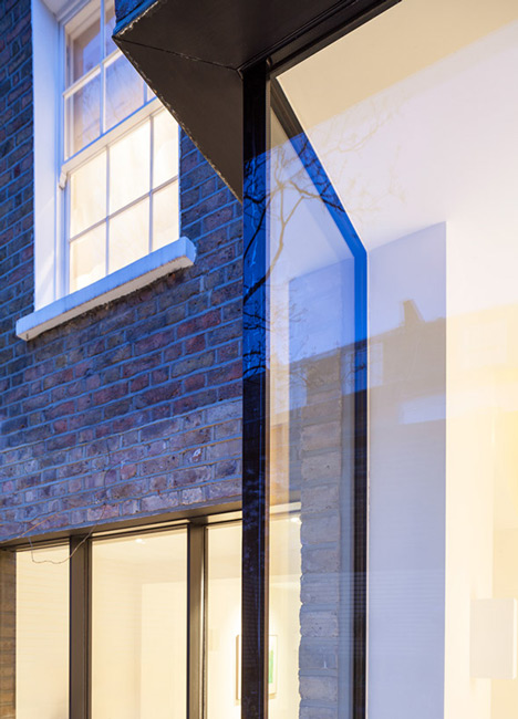 dezeen_Chelsea Town House by Moxon Architects_14