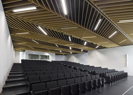 Health Faculty in Zaragoza by Taller Basico de Arquitectura