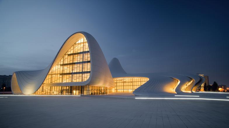 Zaha Hadid vodeći arhitekta sveta i njeni projekti Dezeen_Heydar-Aliyev-Centre-Zaha-Hadid-Architects