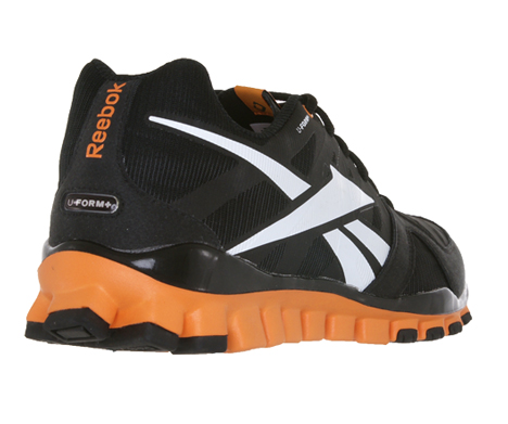 RealFlex U-FORM shrink to fit running shoes by Reebok