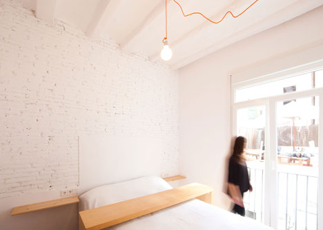 Renovated apartment in Ravel, Barcelona by Eva Cotman