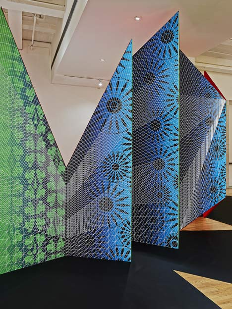 ZIGZAG installation by ISSSStudio