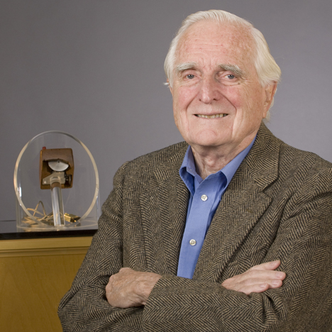 Inventor of computer mouse Doug Engelbart 1925-2013