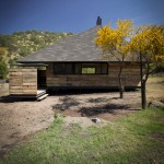 Hijuela El Durazno Caretaker's House by emA