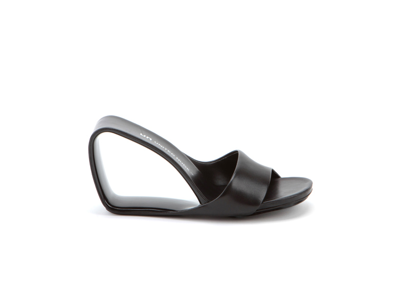 Möbius shoe by Rem D Koolhaas for United Nude