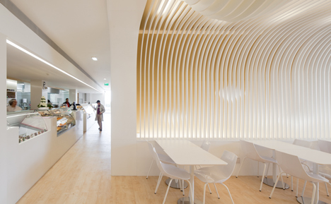 dezeen_Bakery in Porto by Paulo Merlini_17