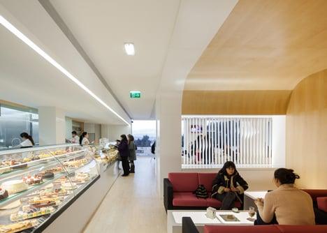 dezeen_Bakery in Porto by Paulo Merlini_8