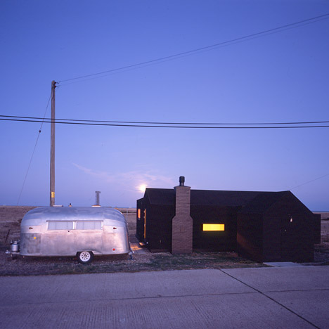 Black Rubber Beach House<br /> by Simon Conder Associates