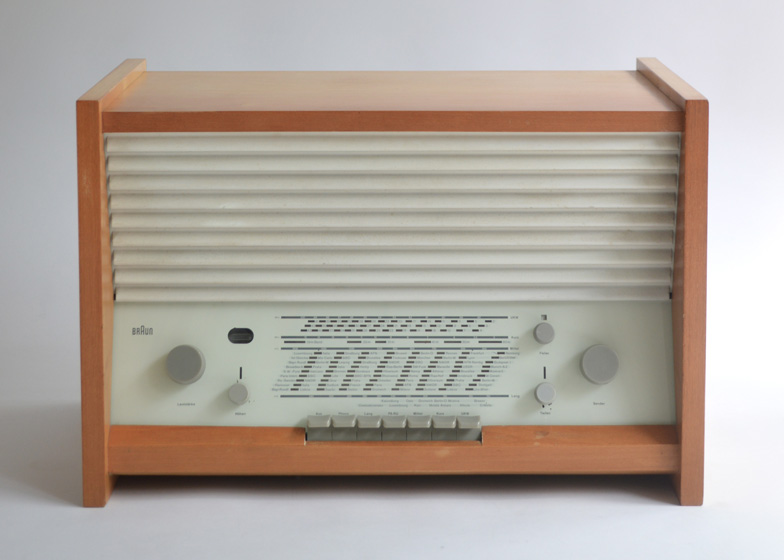 G 11 table radio by Hans Gugelot, 1955