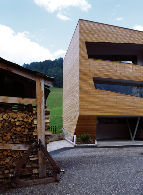 Cube House by Plasma Studio