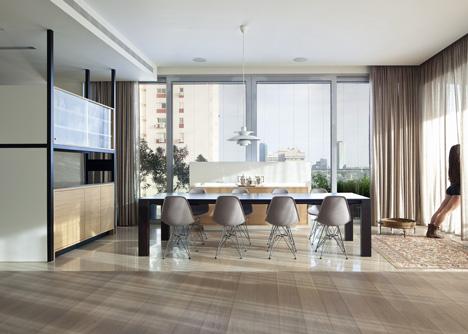 Flat in Tel Aviv by Jacobs-Yaniv Architects