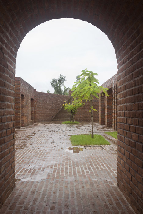 Friendship Centre by Kashef Mahboob Chowdhury/URBANA