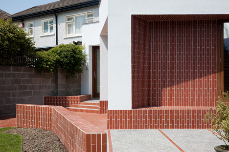 dezeen_House extension in Dublin by GKMP Architects_2