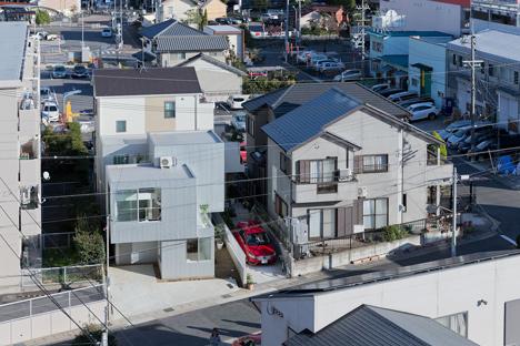 House in Chayagasaka by Tetsuo Kondo Architects
