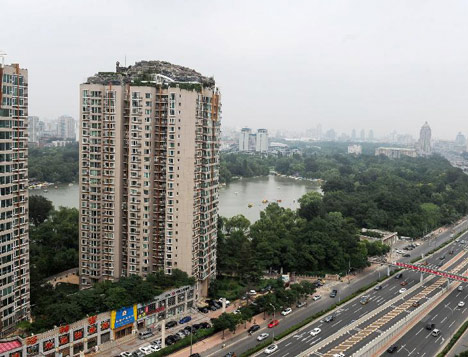 dezeen_Mountain-built-on-top-of-Chinese-apartment-block_2