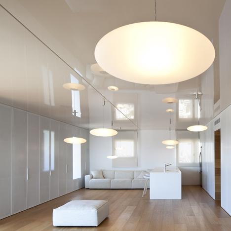 O Apartment by Paritzki & Liani Architects