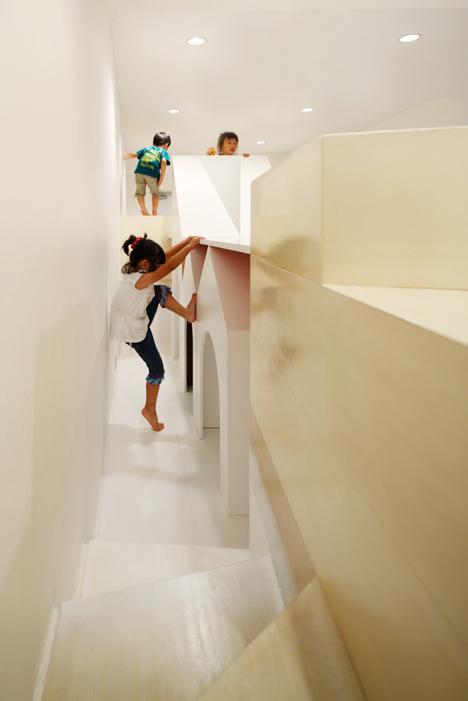 Pixy Hall by Moriyuki Ochiai Architects