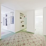 Renovated apartment by Romero Vallejo Arquitectos