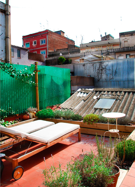 Renovation of an apartment in Barcelona by Carles Enrich
