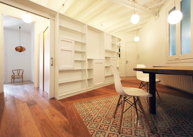 Renovation Of An Apartment In Barcelona By Laura Bonell Mas Fascinating 2 Bedroom Apartments For Rent In Dc Minimalist Remodelling