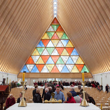 dezeen_Shigeru Ban Cardboard Cathedral Christchurch_2