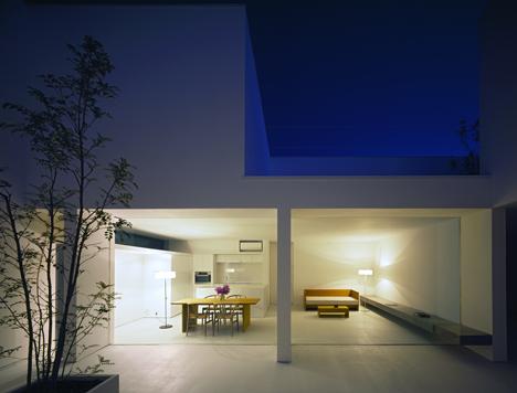 dezeen_White Cave House by Takuro Yamamoto Architects_6