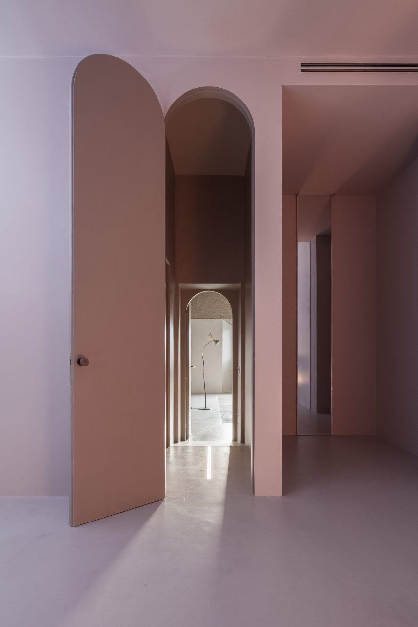 house-of-dust-antonino-cardillo_dezeen_2364_col_11