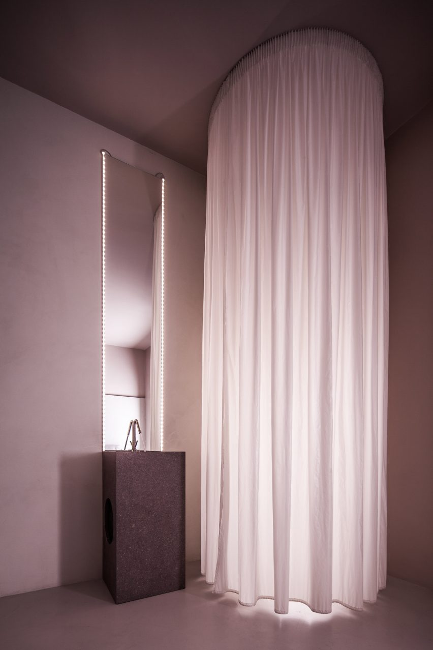 house-of-dust-antonino-cardillo_dezeen_2364_col_13