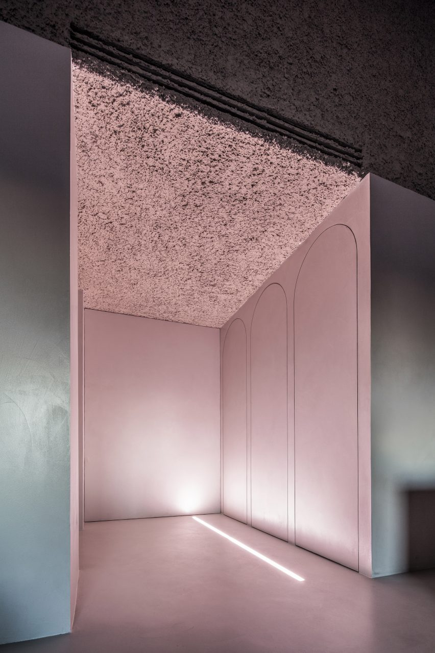 house-of-dust-antonino-cardillo_dezeen_2364_col_9
