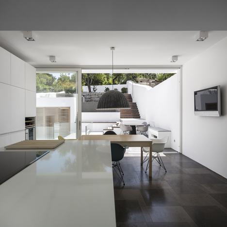 Casa 103 by Marlene Uldschmidt