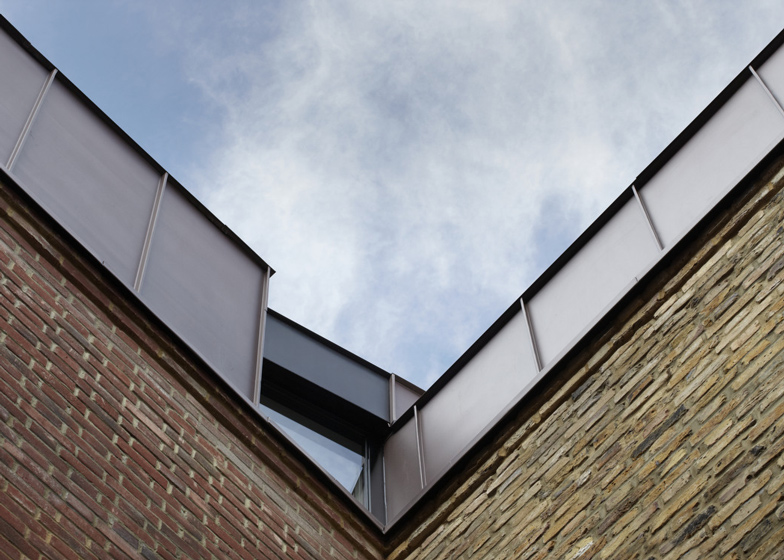 Classroom extension by Studio Webb Architects