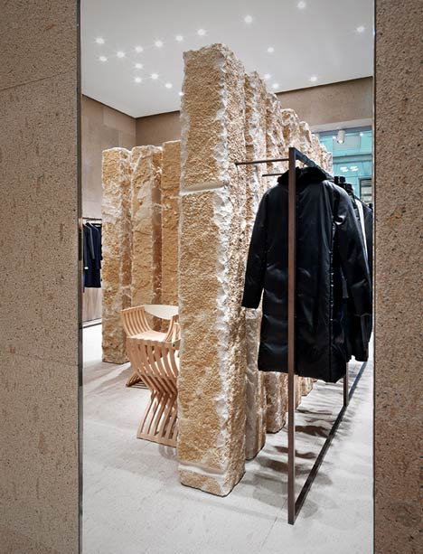 dezeen_Giada Milan flagship store by Claudio Silvestrin_14