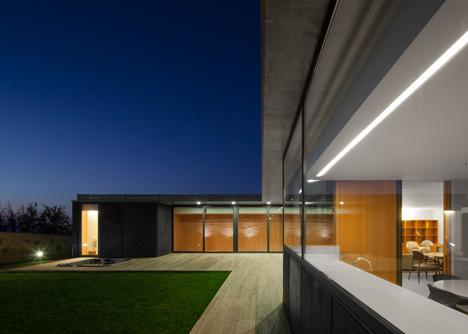 Casa de Mosteiro by Arquitectos Matos