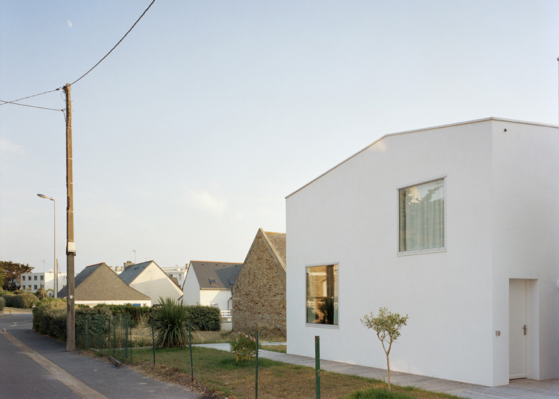 dezeen_Two-Houses-and-Two-Studios-by-RAUM_ss_8.jpg (784×560 ...