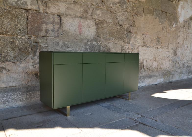 De Pau for Les Trois Garcons