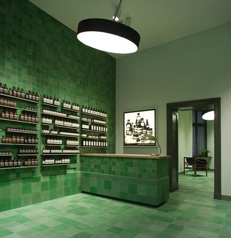 Aesop store by Weiss-heiten_dezeen_1