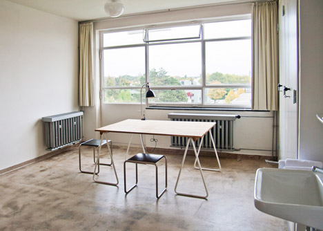 Reconstructed room at Studio Building, Bauhaus Dessau. Photo by Yvonne Tenschert