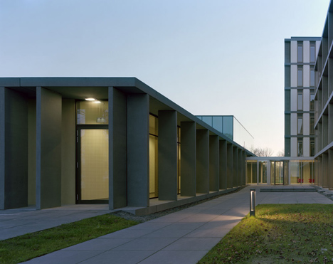 Brains Unlimited neuroscience research facility by Wiegerinck