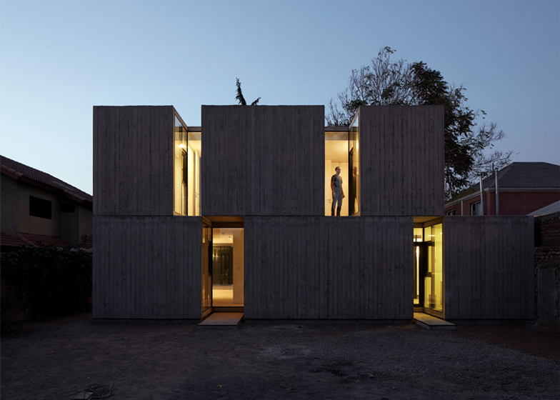 Casa La Canada by Ricardo Torrejon