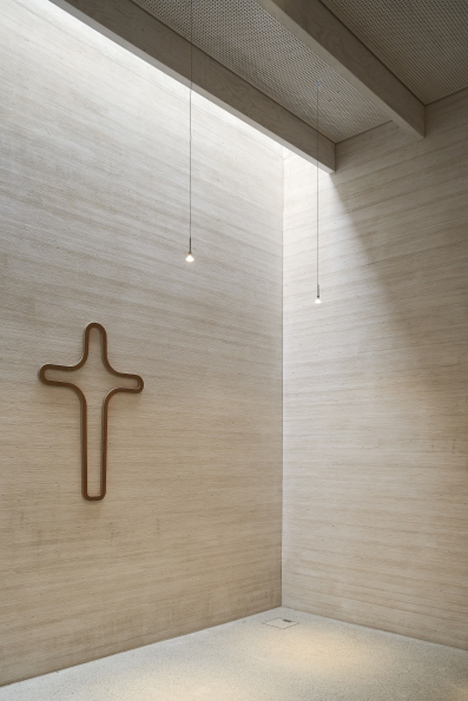 Immanuel Church and Parish Centre by Sauerbruch Hutton_dezeen_7