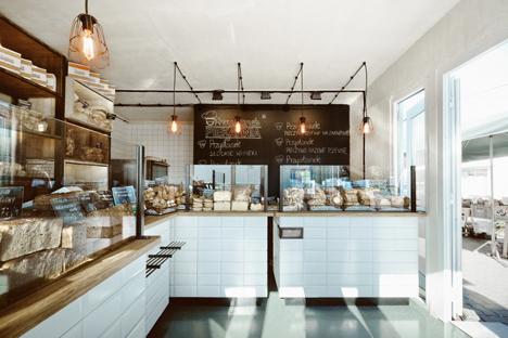 Przystanek Piekarnia Bakery by Maciej Kurkowski_dezeen_3