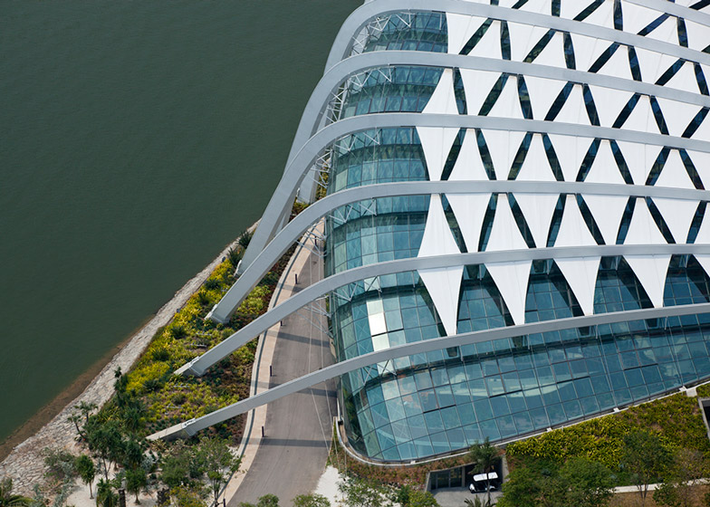 Wilkinson Eyre Architects' cooled conservatories at Gardens by the By in Singapore