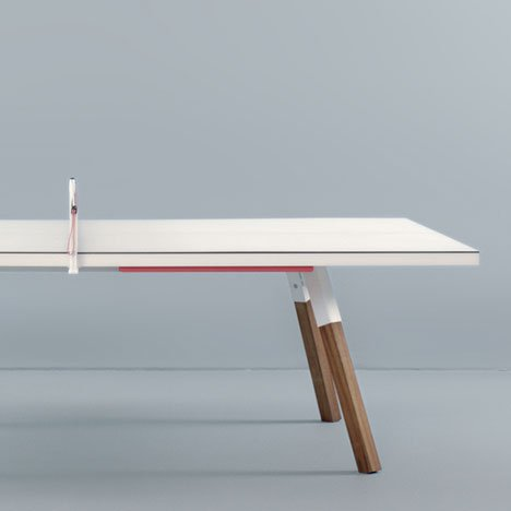 Bola Service Table by Antoni Pallejà Office