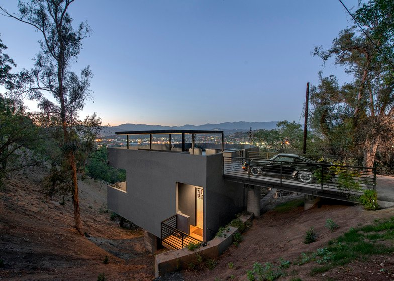 Car Park House In Los Angeles By Anonymous Architects