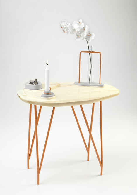 Coffee table by NVDRS